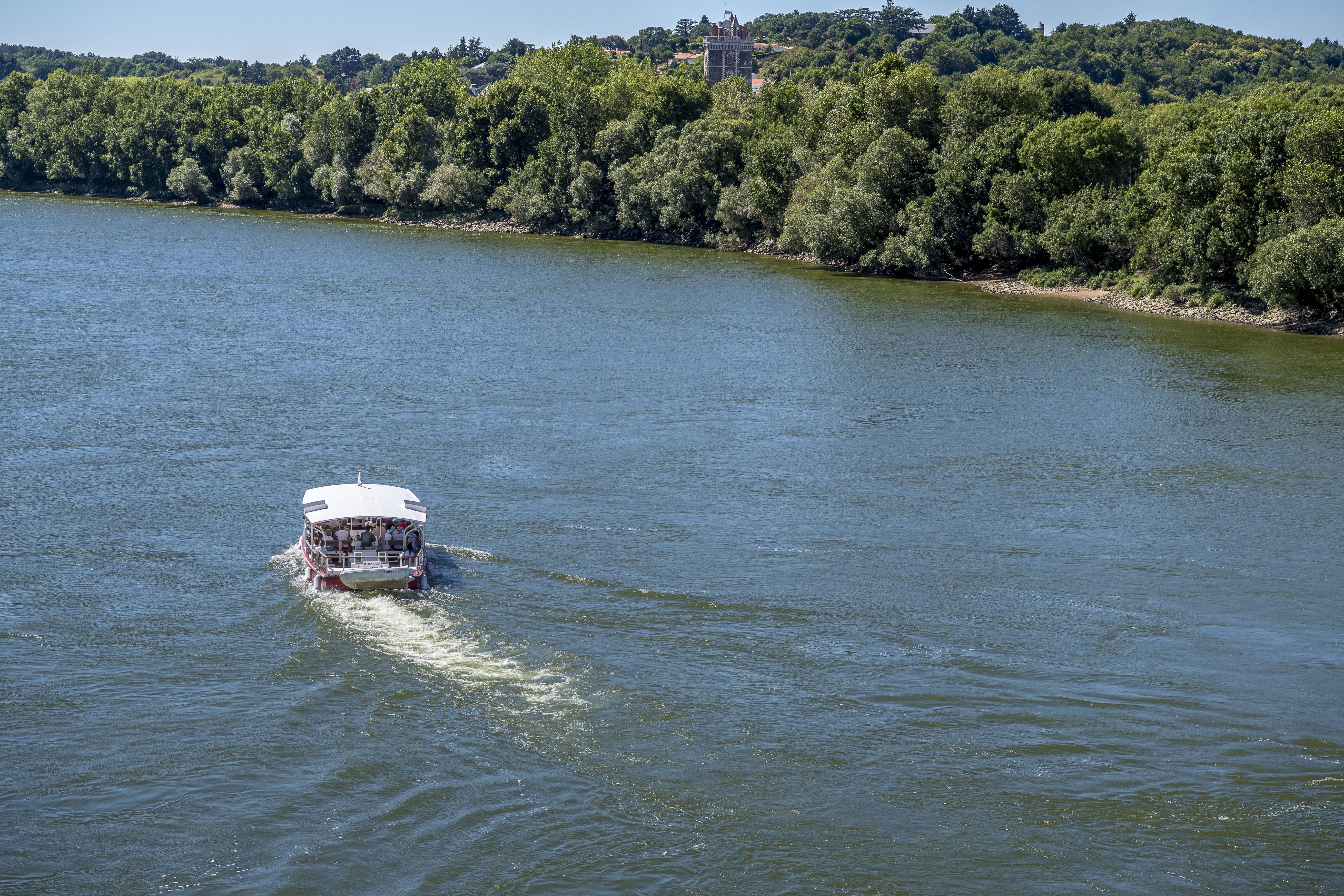 Croisières descente et remontée de la Loire à bord de La Luce